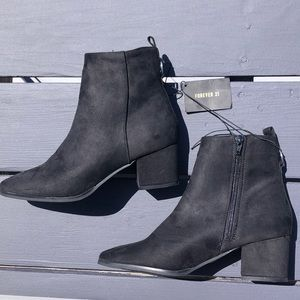 NWT Forever 21 Black Suede Heeled Booties